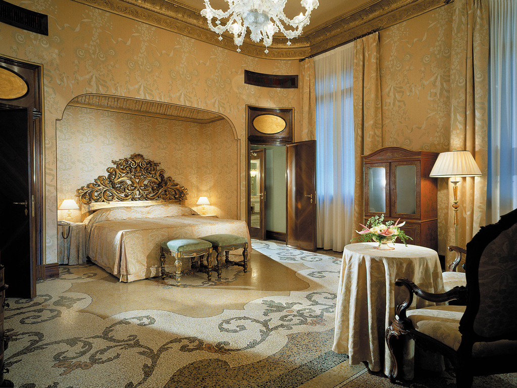 Saint valentine s experience at the bauer il palazzo for Hotel design venise