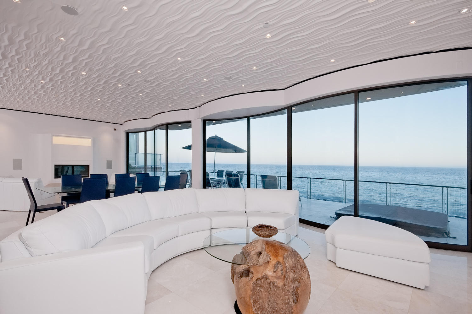 Pristine 3 bedroom beach house for rent in malibu for Malibu mansions for rent