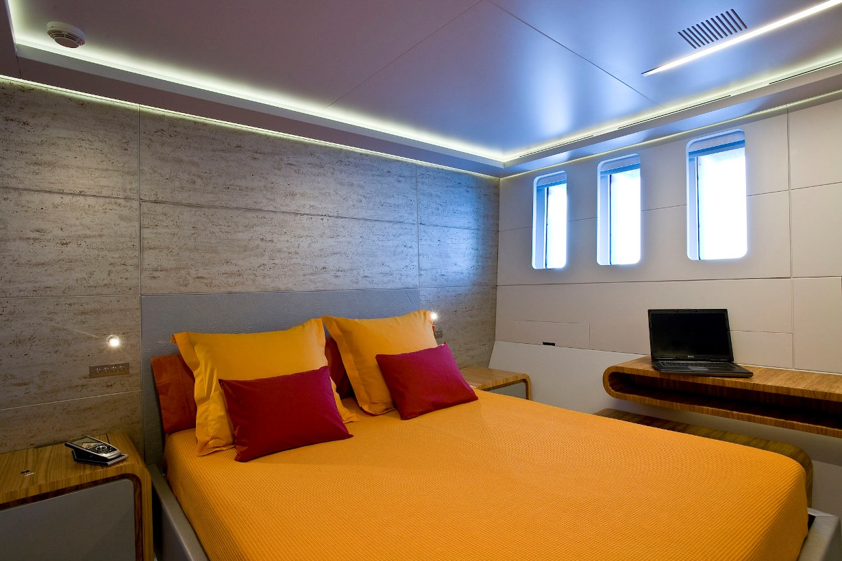 PANTHER II luxury motor yacht pic 12