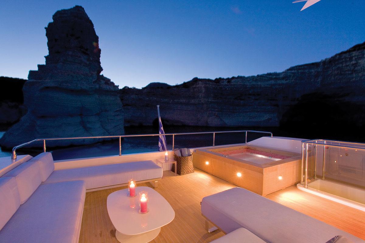 PANTHER II luxury motor yacht pic 14