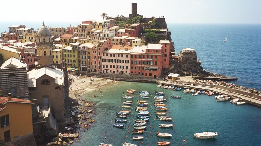 Discover Cinque Terre Italy 02
