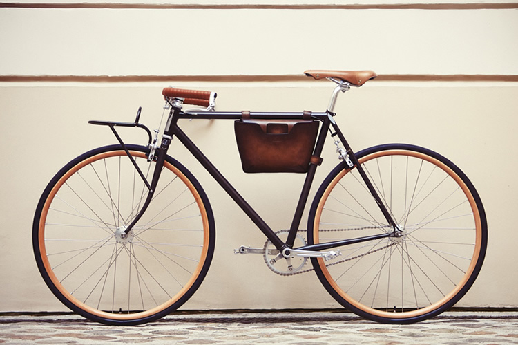 Cycles Victoire Bicycle for Berluti Paris 01
