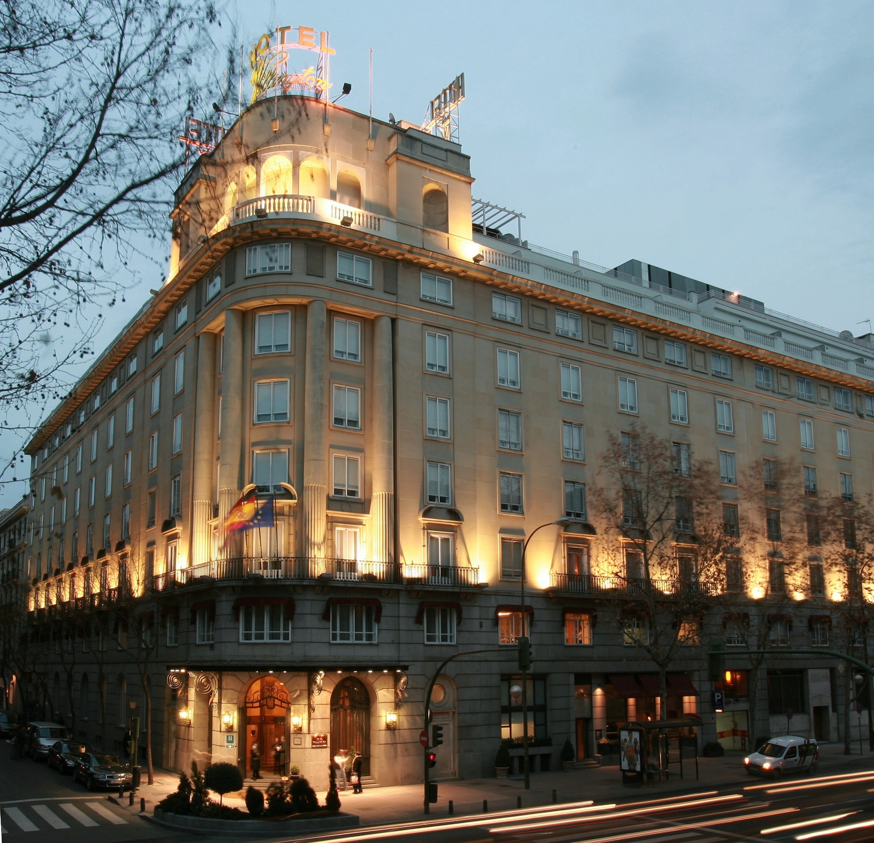 Top 10 luxury hotels in madrid spain blog purentonline for Design hotel urban madrid