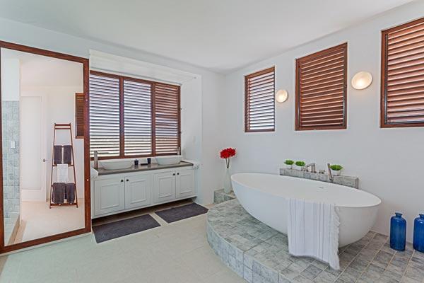 Luxury 6-bedroom Villa in Anguilla 11
