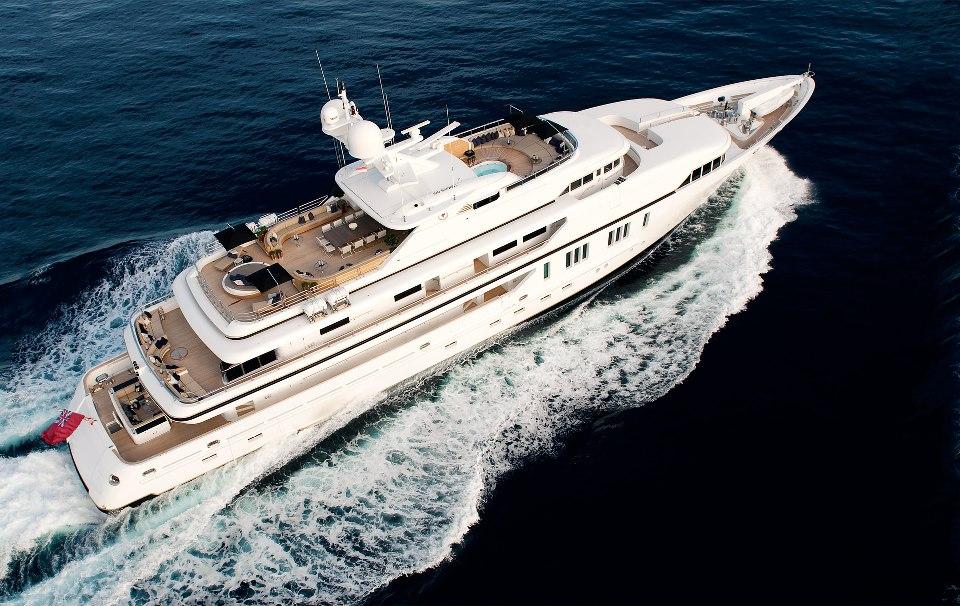 Luxury Motor Yacht Sealyon 01