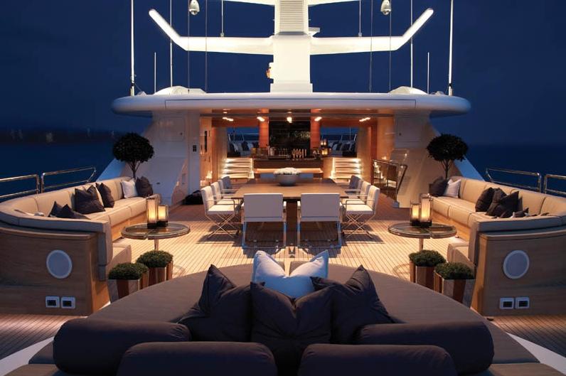 Luxury Motor Yacht Sealyon 04