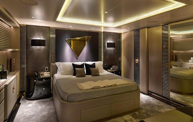 Luxury Motor Yacht Sealyon 09
