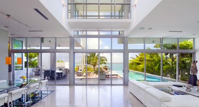 Luxury 4-bedroom waterfront villa Miami 09