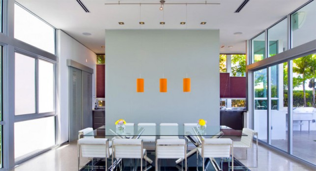 Luxury 4-bedroom waterfront villa Miami 12
