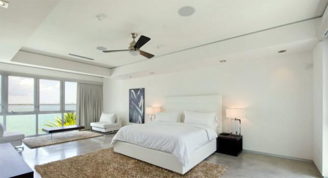 Luxury 4-bedroom waterfront villa Miami 14
