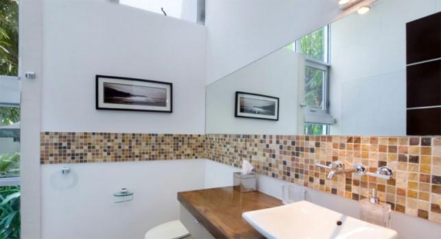 Luxury 4-bedroom waterfront villa Miami 17