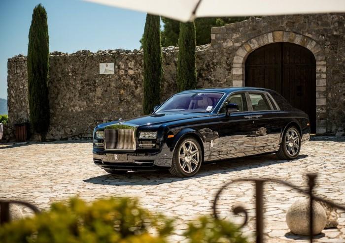 2013-Rolls-Royce-Phantom-black