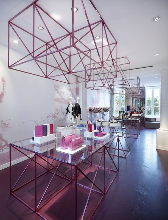 Chanel Saint-Tropez Ephemeral Boutique pic 06