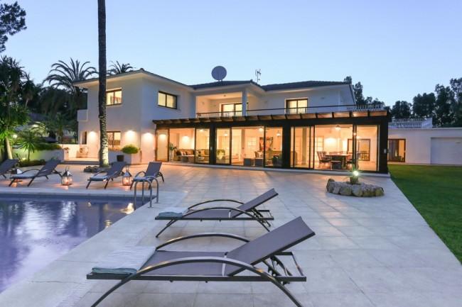 5-bedroom beach villa Marbella 05