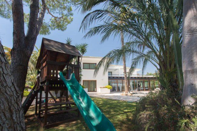 Luxury stunning villa Malibu in Marbella 15