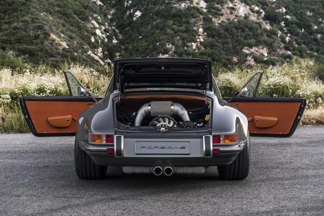 Singer Porsche 911 Targa pic 06
