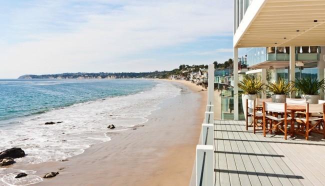 4-Bedroom Beach House Villa in Malibu pic 01