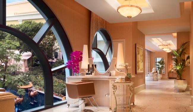 Wynn Macau luxury resort 17