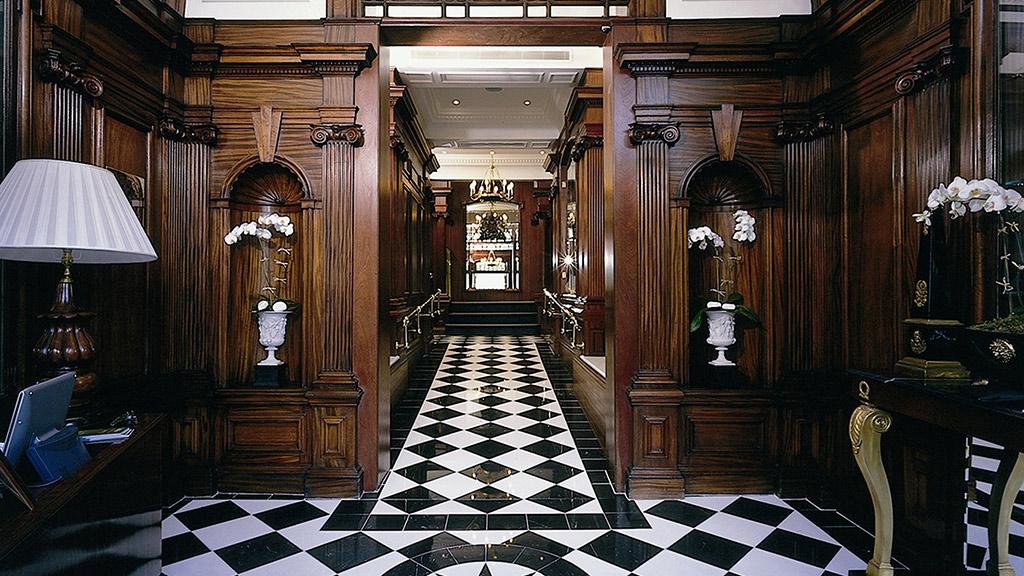 the james bond package at hotel 41 london blog purentonline. Black Bedroom Furniture Sets. Home Design Ideas