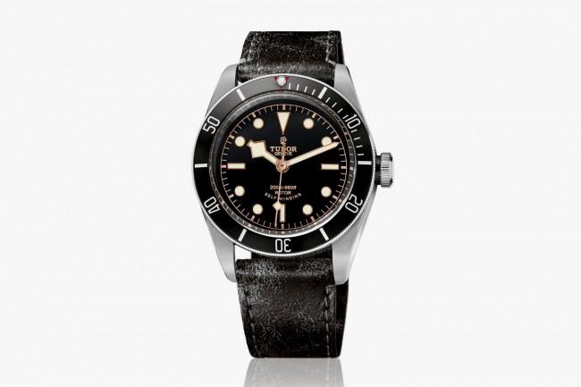 The-TUDOR-Heritage-Black-Bay-Watch-01