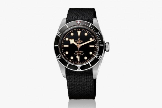 The-TUDOR-Heritage-Black-Bay-Watch-02