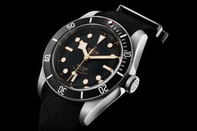 The-TUDOR-Heritage-Black-Bay-Watch-04