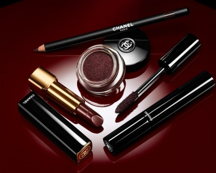 Chanel_Rouge_Noir_Absolument_holiday_2015_makeup_collection2