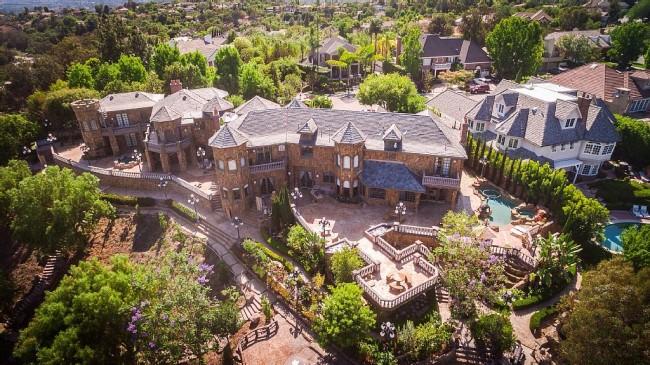 Stunning 7-bedroom Villa in Laguna Hills 01