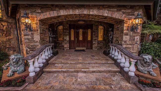 Stunning 7-bedroom Villa in Laguna Hills 02