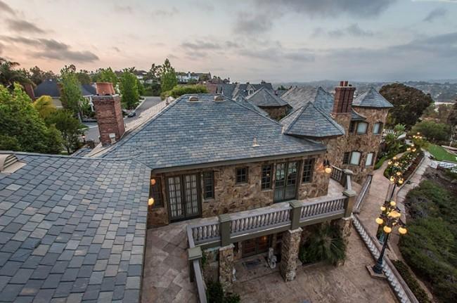 Stunning 7-bedroom Villa in Laguna Hills 05
