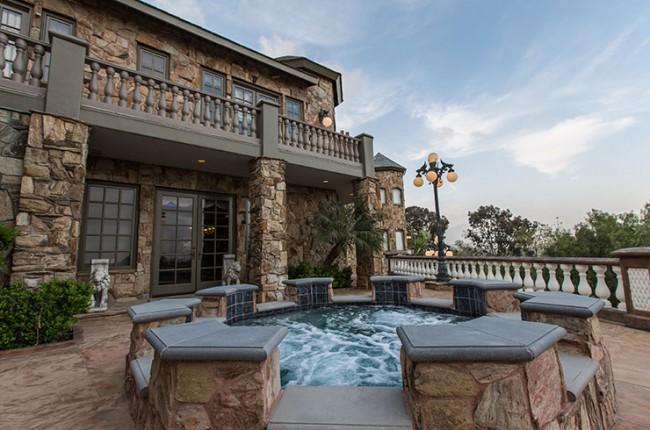 Stunning 7-bedroom Villa in Laguna Hills 07