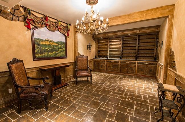 Stunning 7-bedroom Villa in Laguna Hills 11
