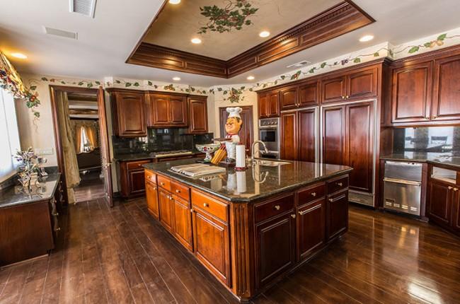 Stunning 7-bedroom Villa in Laguna Hills 12