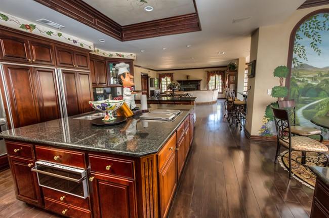 Stunning 7-bedroom Villa in Laguna Hills 13