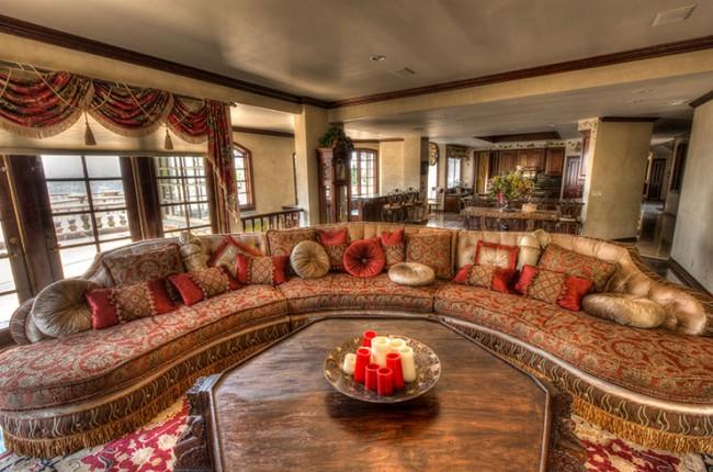 Stunning 7-bedroom Villa in Laguna Hills 14