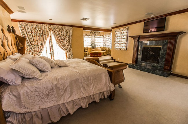 Stunning 7-bedroom Villa in Laguna Hills 21