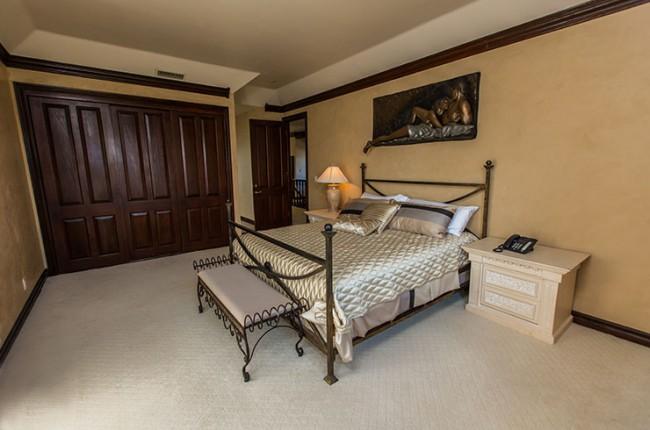 Stunning 7-bedroom Villa in Laguna Hills 22