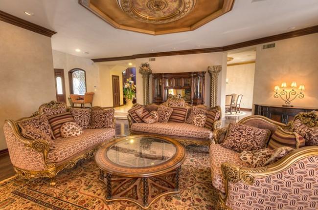 Stunning 7-bedroom Villa in Laguna Hills 25