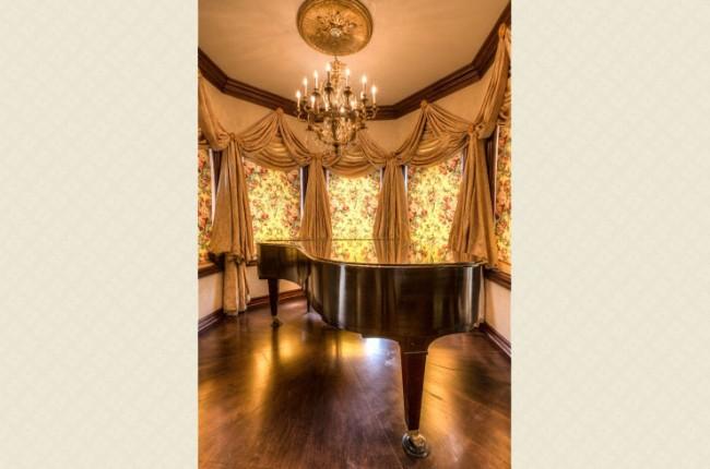 Stunning 7-bedroom Villa in Laguna Hills 26