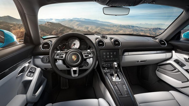 2017-Porsche-718-Cayman-interior