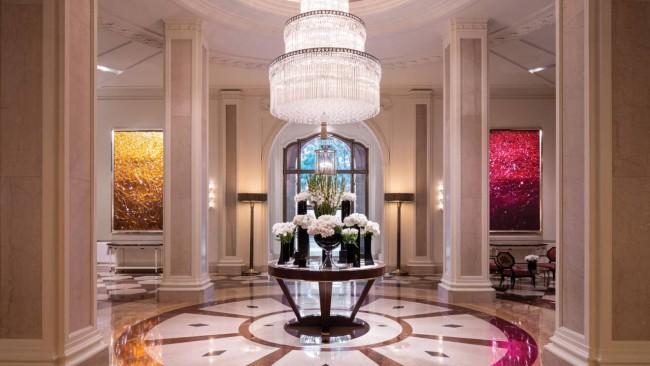 Beverly Wilshire Hotel 03