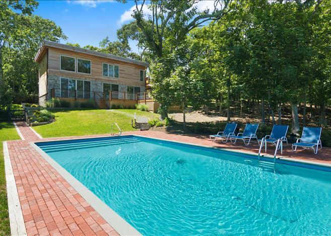 Contemporary 5-bedroom villa East Hampton 02