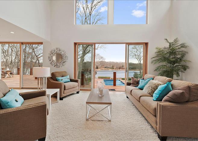 Contemporary 5-bedroom villa East Hampton 04