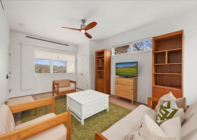 Contemporary 5-bedroom villa East Hampton 09